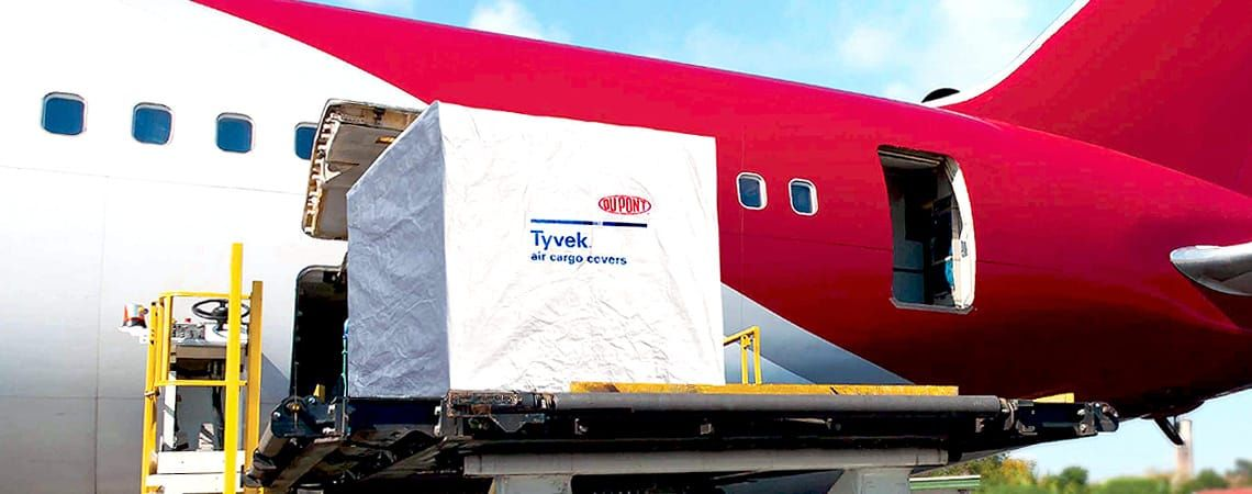 loading DUPONT ™ TYVEK ® SOLAR ™ W10 W20 W50 Protective air cargo cover EUR UK USA